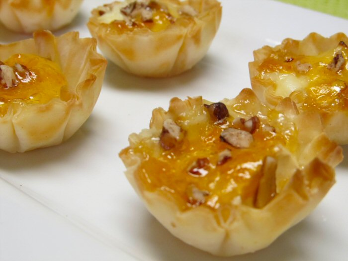 italian-wine-tasting-party-ideas-recipe-phyllo-cups-with-gorganzola2.jpg
